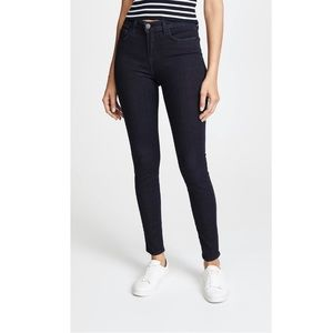"""L'AGENCE 